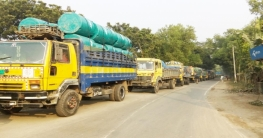 ফেরি পারাপারের অপেক্ষায় ৩ শতাধিক যানবাহন