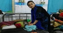 অসুস্থ শিশু নিয়ে 'মা-বাবা'র ভিক্ষা, হাসপাতালে নিলেন নারী পুলিশ